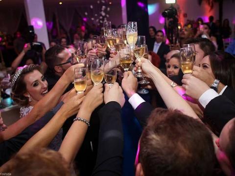 Eventos Sociais: Casamentos, 15 Anos, Bodas, Aniversários, Recepções em sua residência, etc. - Confraria D'ella Vitória Buffet Campinas SP - 75